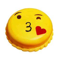 emoji-kiss-cake